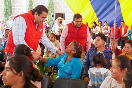La ciudadanía reconoce el trabajo y el compromiso del gobernador, Pineda Godos2