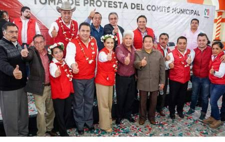 Leoncio tomó protesta a comité municipal de Zacualtipán  .jpg