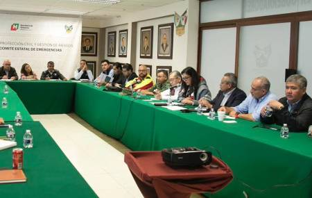 Omar Fayad hace un llamado a familias hidalguenses a mantener la calma ante embate de fenómenos naturales2