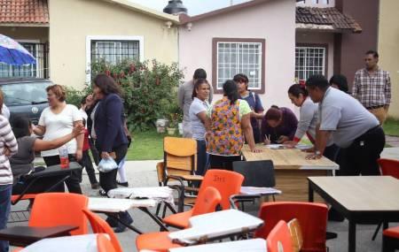 Por irregularidades PC de Mineral de la Reforma  clausura plantel escolar en El Saucillo 2.jpg