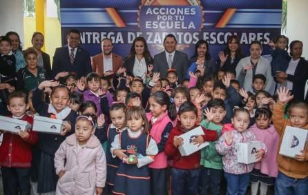 """Raúl Camacho arranca programa """"Acciones por tu escuela"""" con la entrega de zapatos escolares a preescolares 2"""