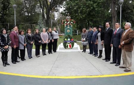 Realizan Guardia de honor por 249 aniversario del Natalicio de Doña Josefa Ortiz de Domínguez