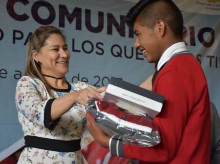 SEPH concluye con la entrega de útiles escolares al cien por ciento