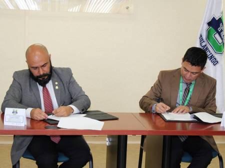 UTEC firma convenio de colaboración con el Club Rotario Metropolitano de Tulancingo2.jpg