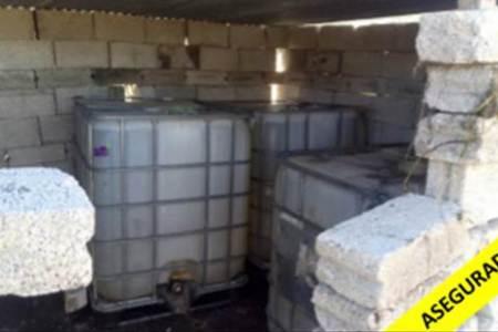 Aseguraron en Tepeapulco bidones con 3 mil litros de hidrocarburo