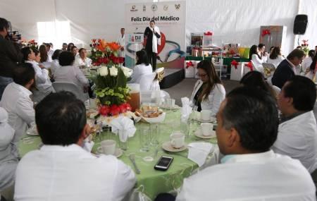 Conmemoran el Día del Médico en el Hospital del Niño DIF.jpg