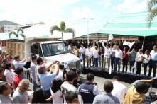 el gobernador Omar Fayad encabezó la entrega de cacao y azúcar en el municipio de Huejutla5