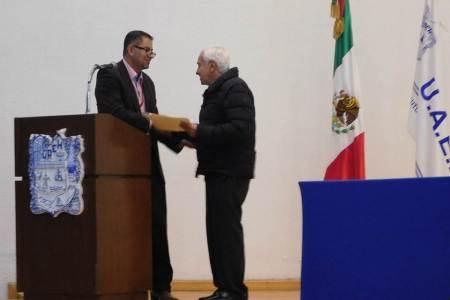 Gerardo Martínez Cristerna imparte conferencia en el ICSa