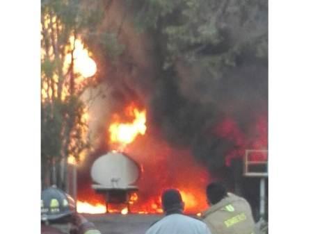 Incendio en recicladora de aceites ubicada en Zona Industrial de Tizayuca