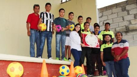 INHIDE visitó municipios de la huasteca hidalguense2