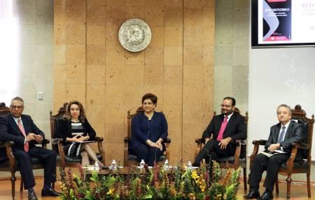 Nuevas constituciones, origen de dictaduras contemporáneas2.jpg