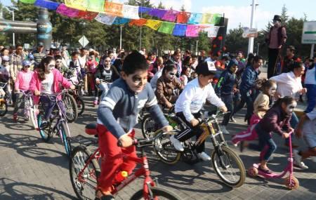 """Participan pequeños en carrera de """"Catrines y Catrinas"""" de UAEH1.jpg"""