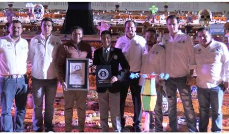 Récord Guinness para Hidalgo por el altar de muertos más grande del mundo