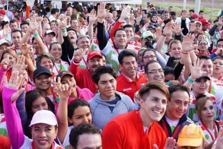 Se realizó la carrera atlética Corriendo Contigo por Hidalgo 5K en la sede estatal del PRI4
