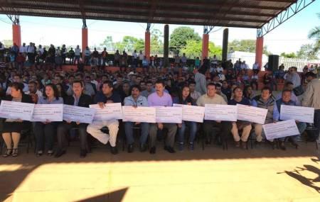 SEPH entrega recurso económico a Escuelas de Tiempo Completo en Huautla2