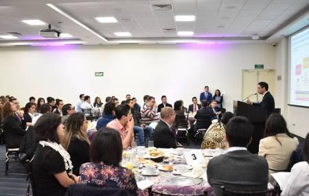Ante académicos y empresarios, titular de la SEDECO habla de la estrategia de emprendimiento en Hidalgo2