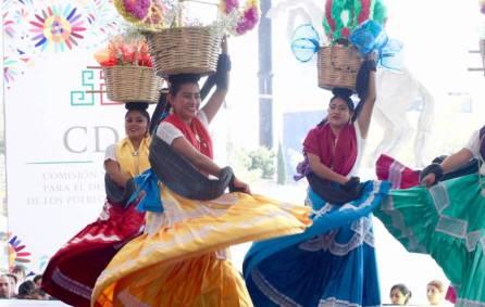 Continúa la Expo de los Pueblos Indígenas Hidalgo con gran éxito3