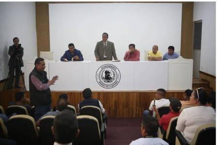 Cumple Pérez Flores, con estatus de 14 licencias de  funcionamiento a FOIDEH2.jpg