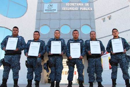 Entrega SSPH estímulos y reconocimientos a policías estatales destacados2