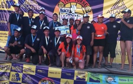 Equipo hidalguense de polo acuático conquista el tercer lugar en el torneo Beach Water Polo.jpg