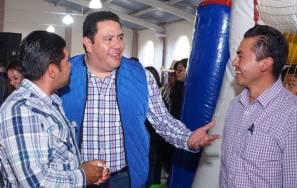 Leoncio Pineda sostuvo reunión con barbacoheros2