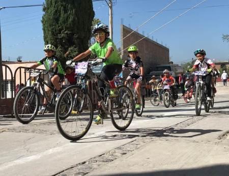 Pedalistas invadieron Santiago de Anaya