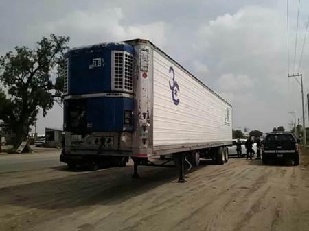 Policía municipal de Tizayuca recupera caja seca de un tracto camión robado en Tulancingo