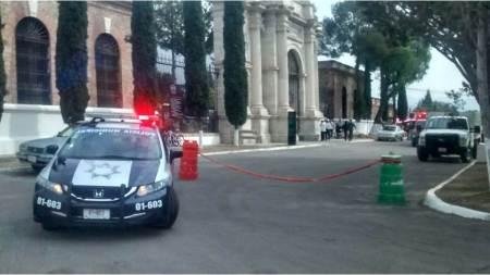 Sin incidentes, visitas al Panteón Municipal de Pachuca en Día de Muertos
