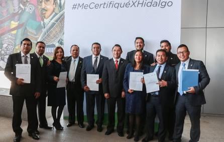 Certifican en competencias laborales a funcionarios de Mineral de la Reforma1