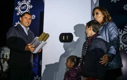 Con el encendido de árbol navideño en Pachuquilla, inician los festejos decembrinos en Mineral de la Reforma2