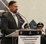 Condecoran a 140 policías bancarios de Hidalgo por trayectorias de hasta 30 años de servicio2