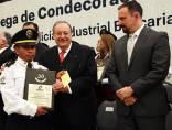 Condecoran a 140 policías bancarios de Hidalgo por trayectorias de hasta 30 años de servicio3