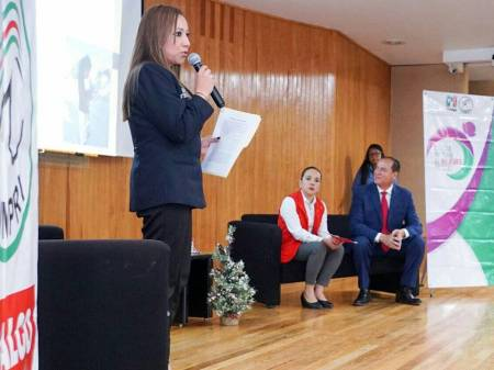 Fomentar e impulsar el liderazgo político de la mujer, una de las tareas del priismo hidalguense2.jpg