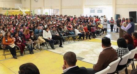 Gabriel García Rojas entrega estímulos a la educación4