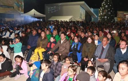 Lleva alcalde Raúl Camacho Baños festejos navideños a los fraccionamientos del sur con encendido de árbol en el CEMART4