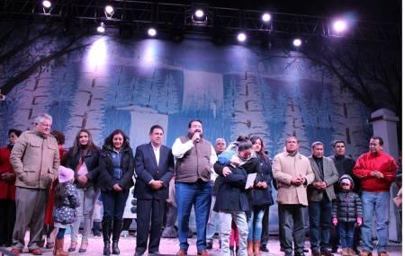 Seguro Popular Hidalgo lleva mensaje navideño a familias de Cuautepec1.jpg