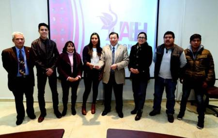 Alumna de la UAEH destaca en concurso internacional