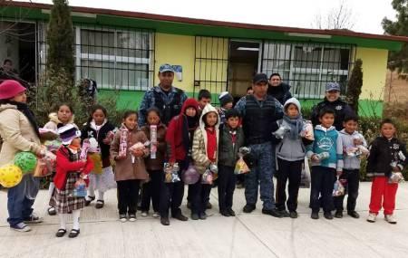 Con acciones de proximidad social, Policía Estatal se vincula con estudiantes de Cuautepec1.jpg