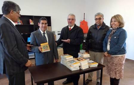 Crece acervo de la Universidad Tecnológica Bilingüe de Mineral de la Reforma con donación de libros2