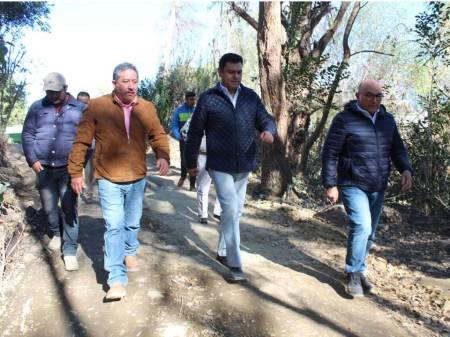 Daniel Jiménez supervisó obras del programa 3x1 para migrantes en Chapantongo.jpg