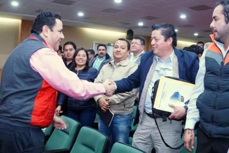"""""""La constancia es el camino que rendirá frutos"""", Leoncio Pineda Godos4"""