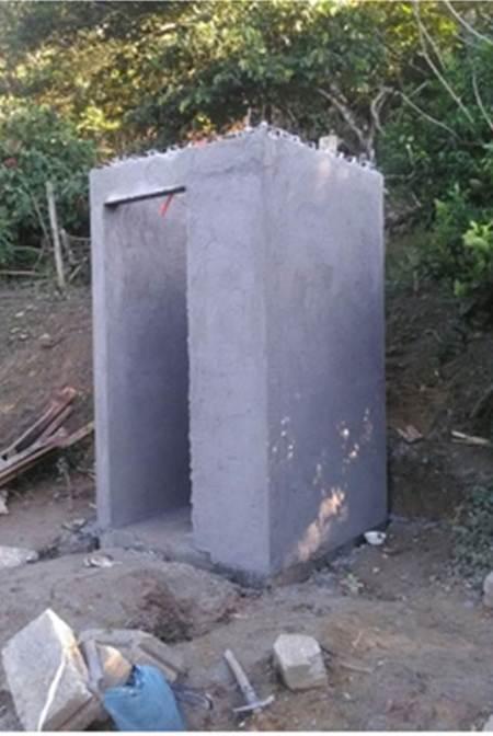 En comunidades de Huehuetla se construyen sanitarios con biodigestores