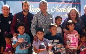 Entregan juguetes a más de mil 200 niños de Tepojaco en Tizayuca3