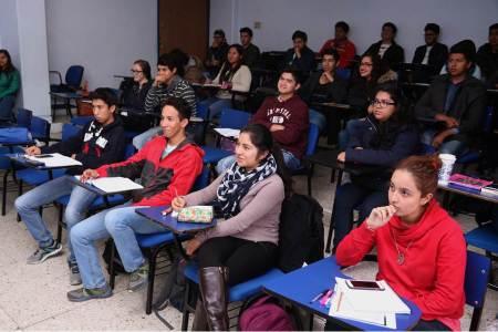 ESTi renueva licenciatura en Tecnologías de información