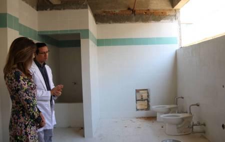 IMSS remodela baños y espacios en sus unidades médicas