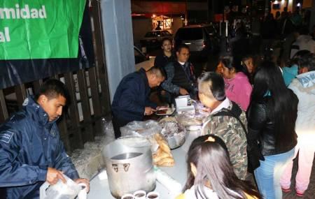 Policía Estatal de Hidalgo celebra Año Nuevo con personas hospitalizadas y familiares