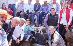 PRI Estatal coloca la primera piedra para construcción del Comité Municipal de Acatlán3