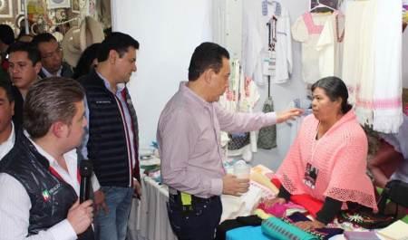 Promueven artesanías de Hidalgo en ferias nacionales