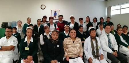 Realizan entrega  de diplomas a enfermeras y enfermeros en los HGZMF de Pachuca.jpg
