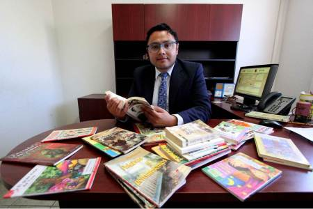 Se realiza en UAEH recolecta de libros